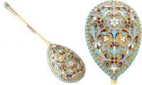Десертная ложка, украшенная эмалями. Серебро, литье, золочен