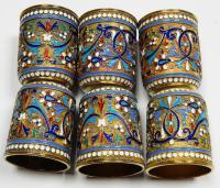 Набор из шести стопок и подноса украшенных полихромной эмаль